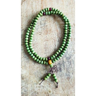 Bracelet collier Mala en bois de santal 108 perles