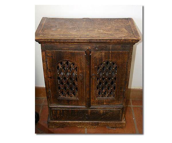 petite table de chevet indienne mil xx me. Black Bedroom Furniture Sets. Home Design Ideas