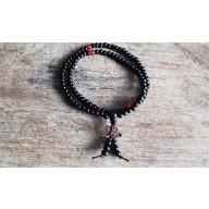 Bracelet collier Mala de prière tibetain en bois de santal de 108 perles