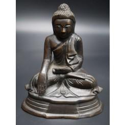 Bouddha birman en Bhûmishparsha-mudrâ